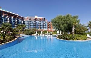 Хотел Merit Crystal Cove -Casino
